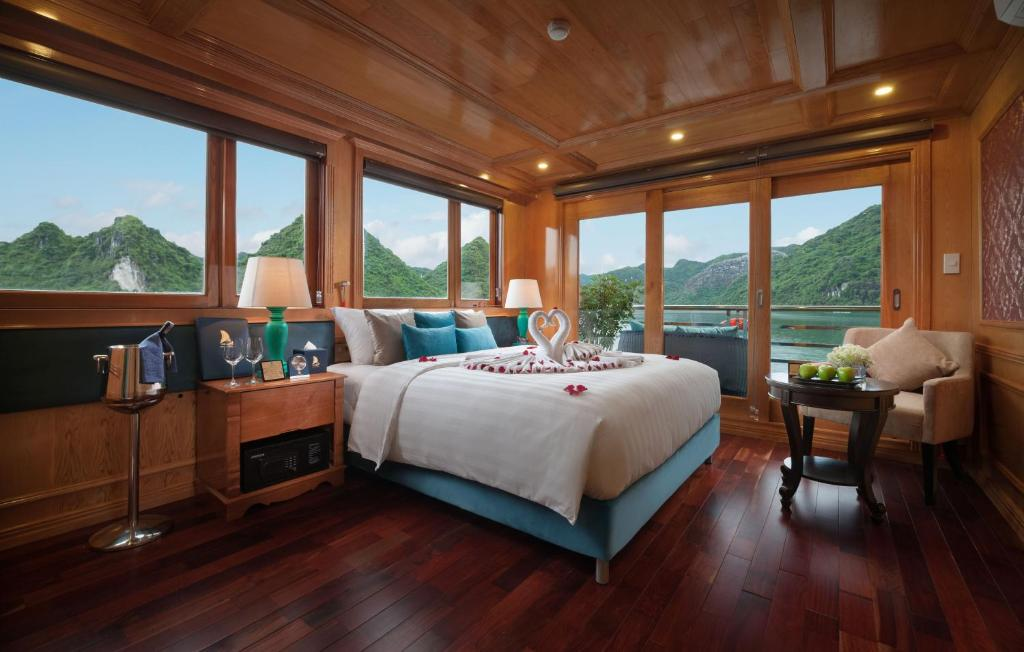 Uma vista geral da montanha ou uma vista da montanha a partir do cruzeiro
