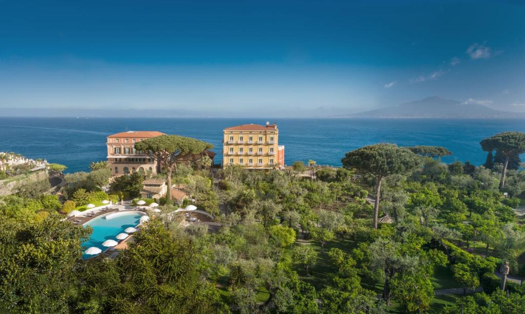A bird's-eye view of Grand Hotel Excelsior Vittoria