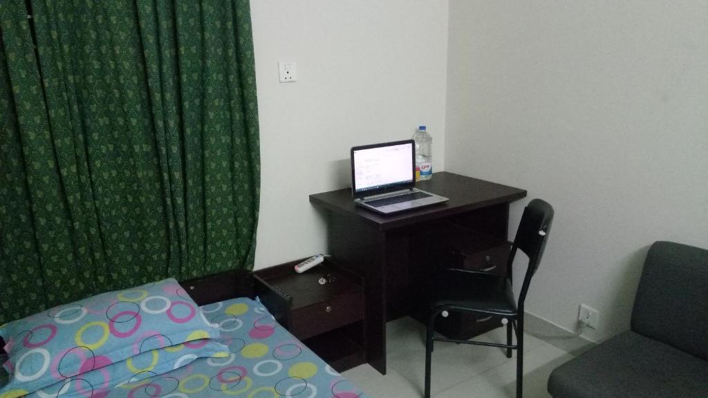 turvallinen huone dating Dhaka