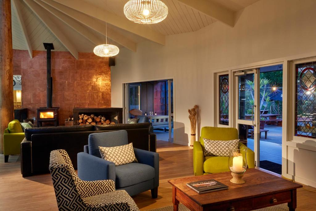 พื้นที่นั่งเล่นของ Awaroa Lodge