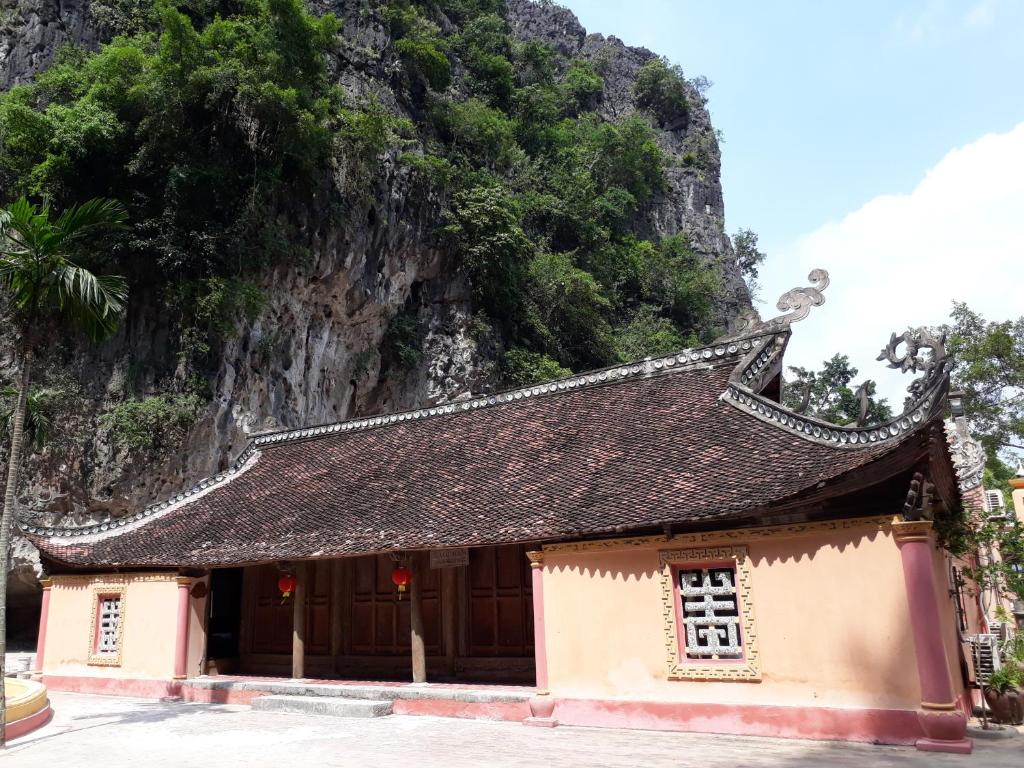 Vietnamese Ancient Village- Lang Viet Co Hotel