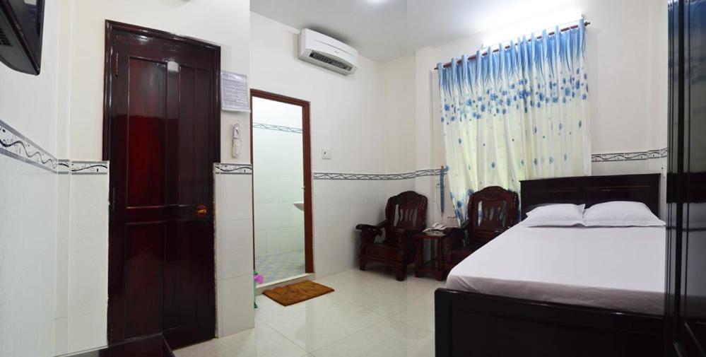 Phòng Giường Đôi Hạng Bình Dân