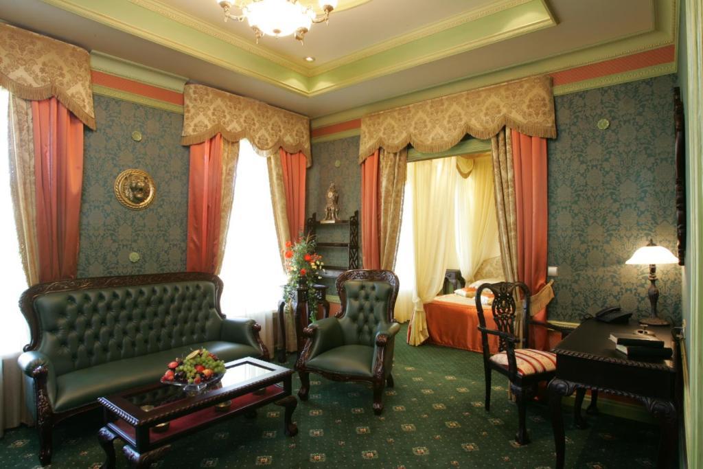 Гостиная зона в Marco Polo St Petersburg Бутик-Отель