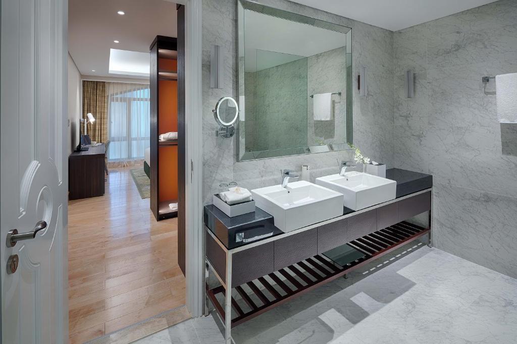 Suite Premier Với Khoản Tín Dụng Khách Sạn Hàng Ngày 50 USD/Khách