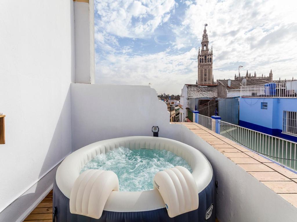 Jacuzzi Exterior Sevilla.Atico Giralda Sevilla Sevilla Precios Actualizados 2019