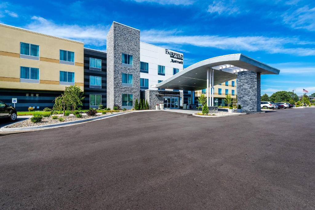 Places To Stay In St Joseph Michigan >> Fairfield Inn Suites By Marriott Stevensville Mi