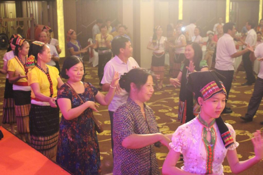Muong Thanh Holiday Con Cuong