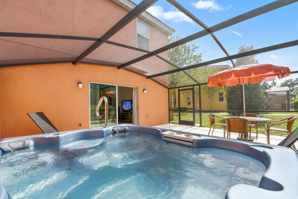 The swimming pool at or close to Three Bedrooms Townhome 3012