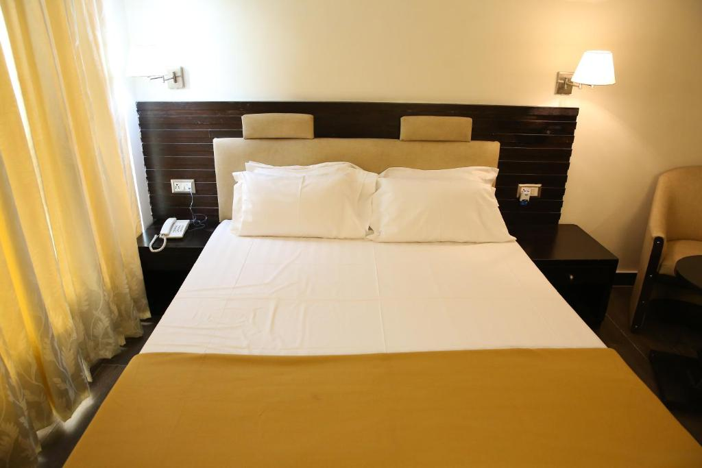 Hotel La Castle, Chennai, India - Booking com