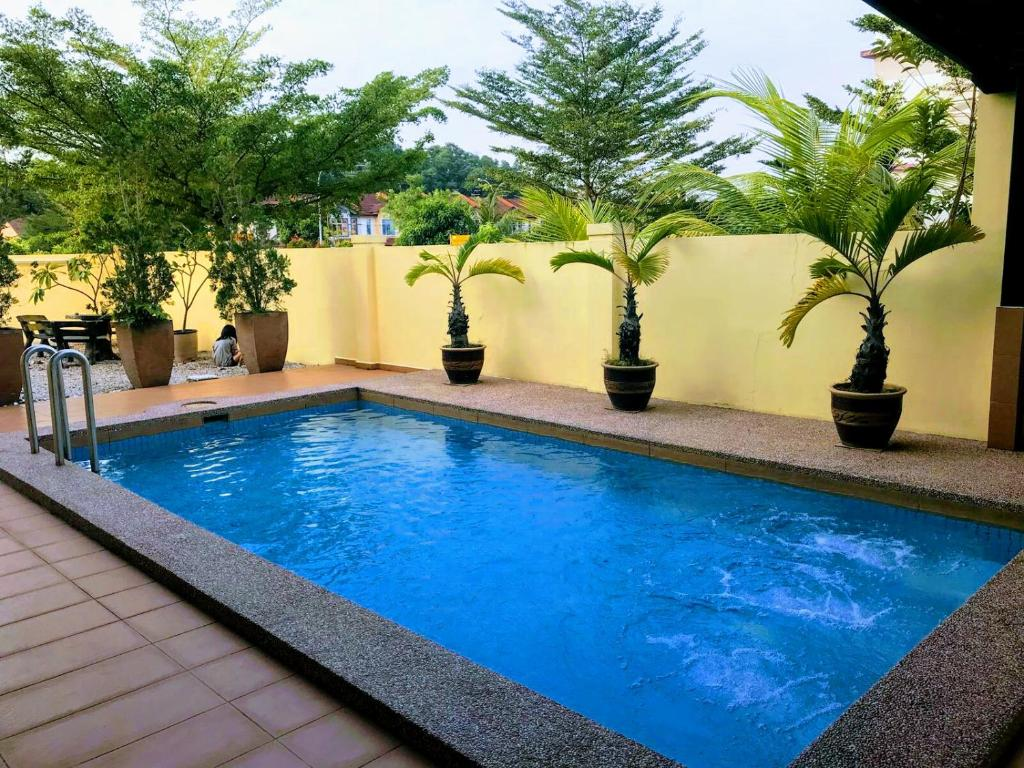 Vacation Home Private Jacuzzi swimming pool house, Johor ...