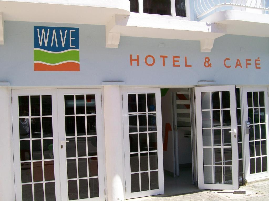 WAVE Hotel & Cafe