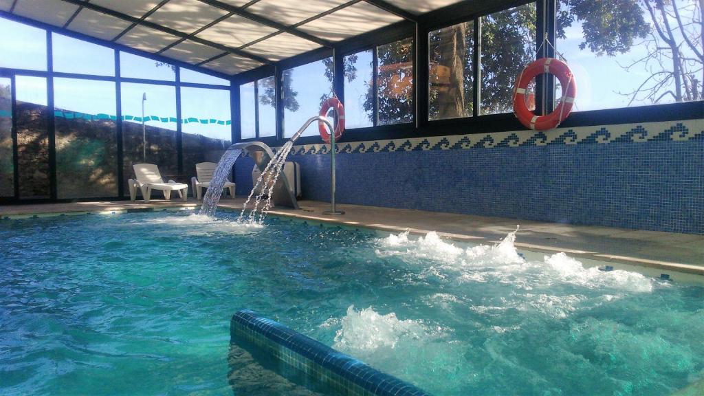Majoituspaikassa Hotel San Millán tai sen lähellä sijaitseva uima-allas