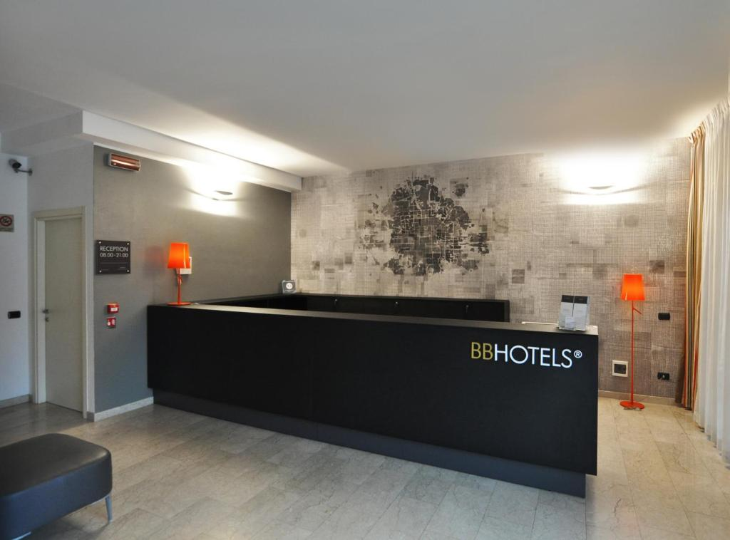 The lobby or reception area at BB Hotels Aparthotel Bicocca