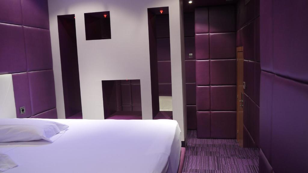 V Hotel, Arroyomolinos (with photos & reviews) | Booking.com