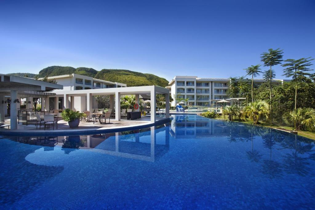 The swimming pool at or near Rio Quente Resorts - Hotel Cristal