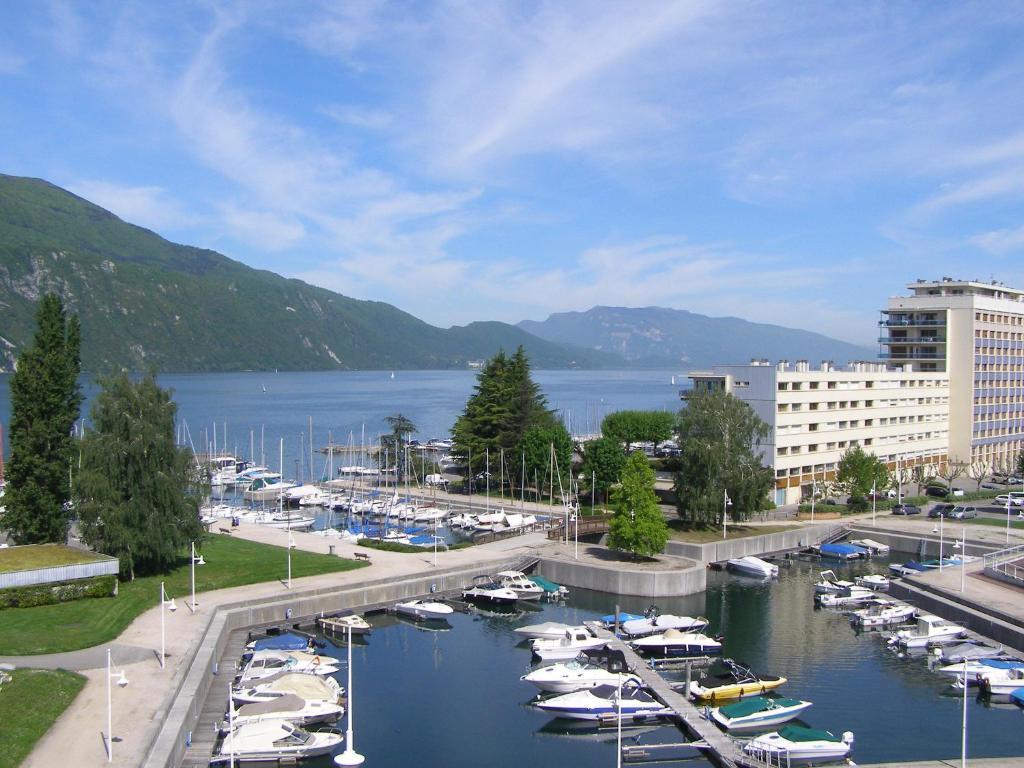 Hotel Spa Marina D Adelphia Aix Les Bains France Booking Com