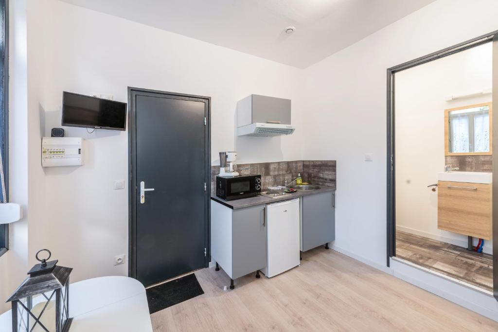 A kitchen or kitchenette at Lkp