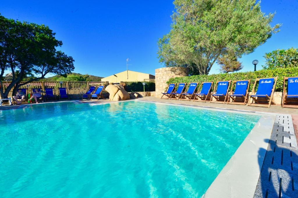 Het zwembad bij of vlak bij Villaggio Costa Paradiso