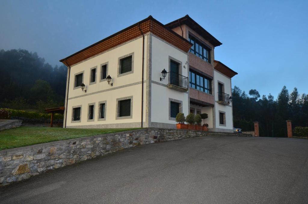 Hotel Reina Adosinda, Pravia, Spain - Booking.com