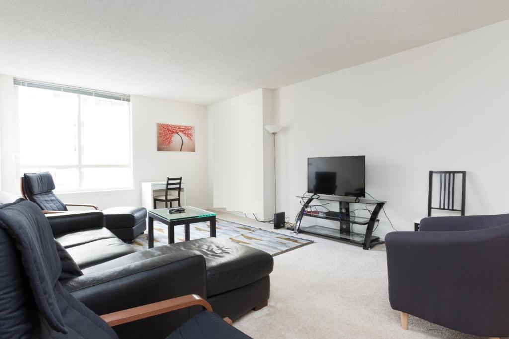 Marvelous Apartment Luxury 2 Bedroom By Metro Arlington Va Booking Com Home Interior And Landscaping Ologienasavecom