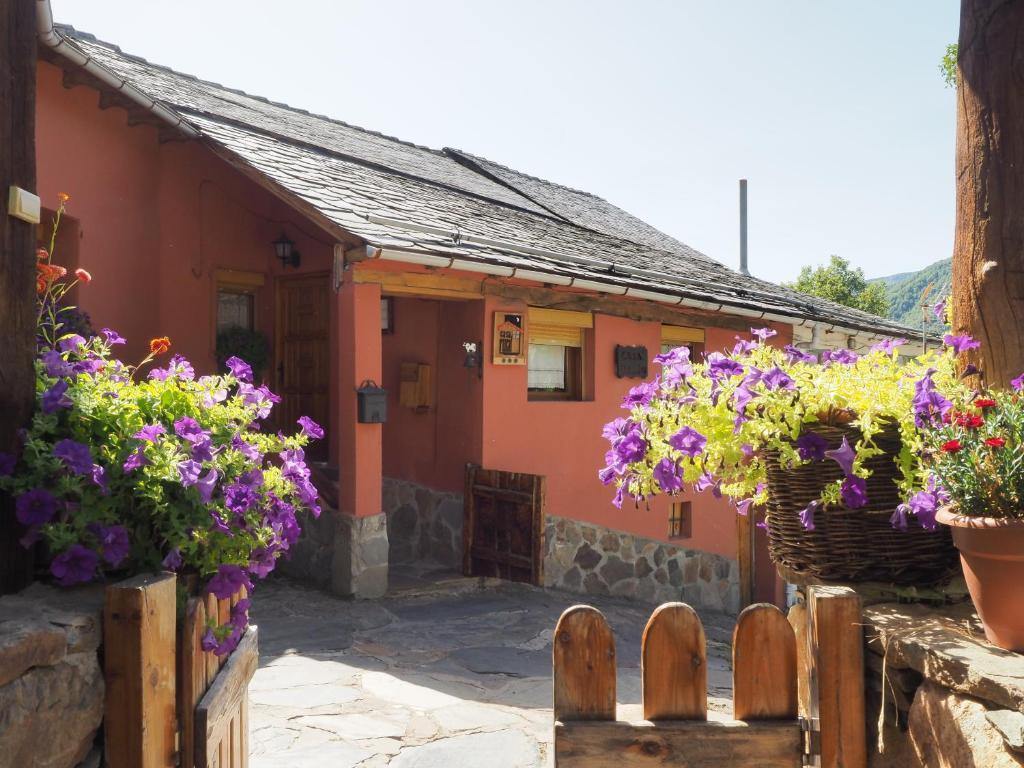 Casa Rural Faldin (España Sosas de Laciana) - Booking.com