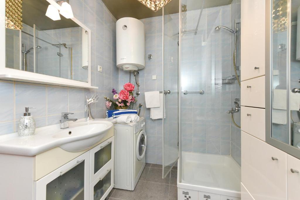 Jazine Center Luxury Apartments