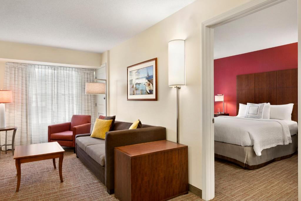 Stupendous Residence Inn Middletown Ri Booking Com Download Free Architecture Designs Ponolprimenicaraguapropertycom