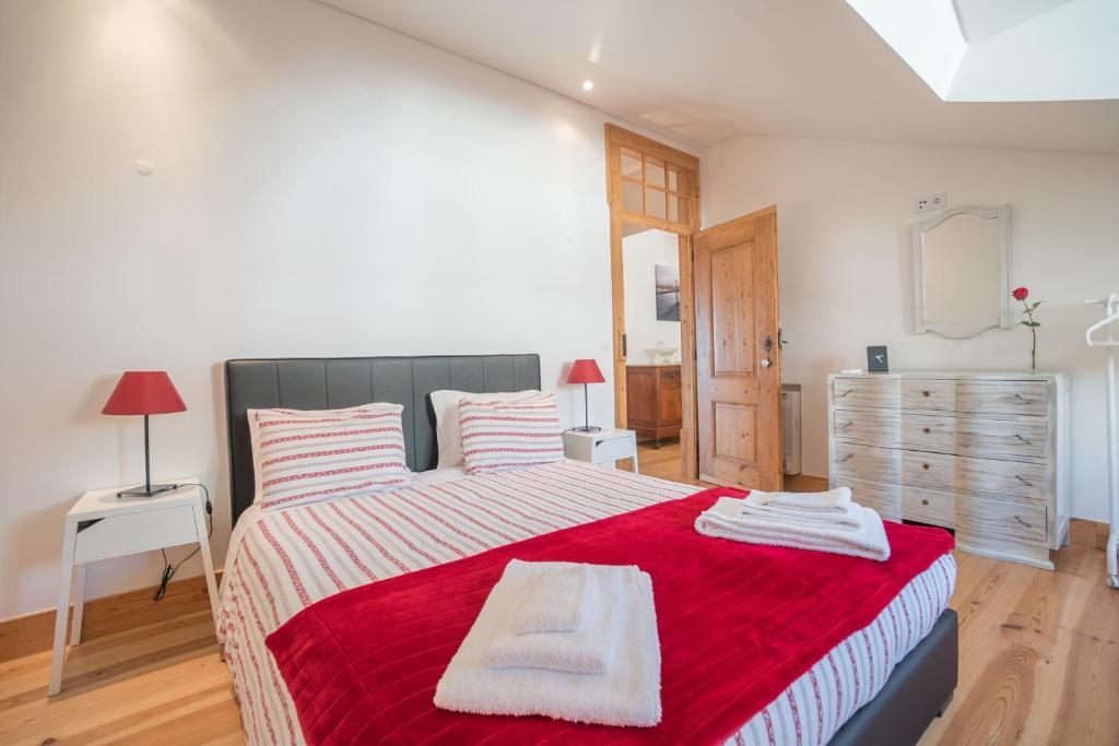 Cama o camas de una habitación en Superb Flat Cathedral & River View