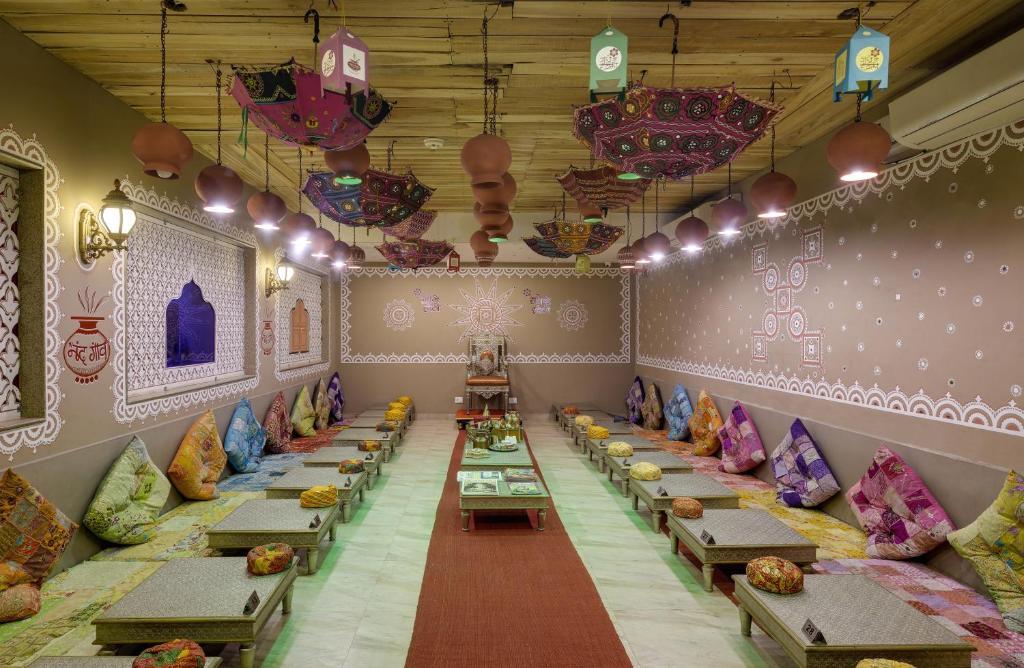 bajot dinner area-radhey ki haveli-heritage hotel in rajasthan