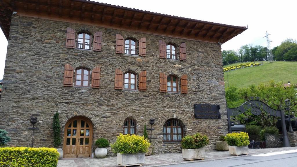 Hotel Venta de Etxalar, Echalar (com fotografias e ...