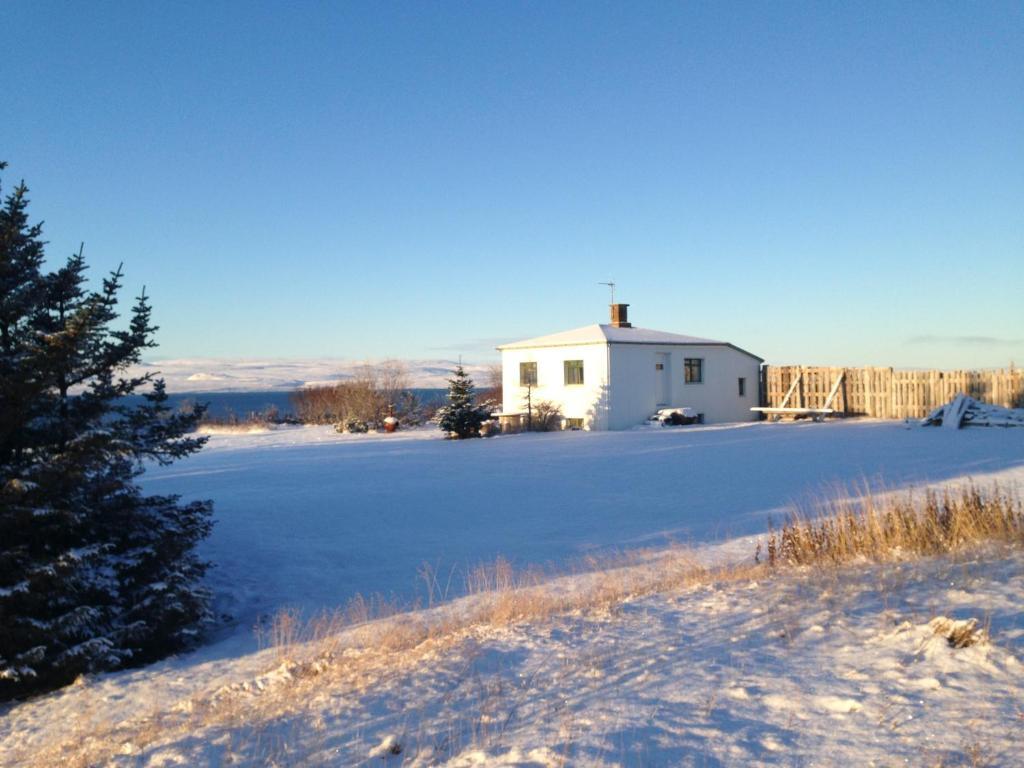 Bessastaðir Guesthouse during the winter