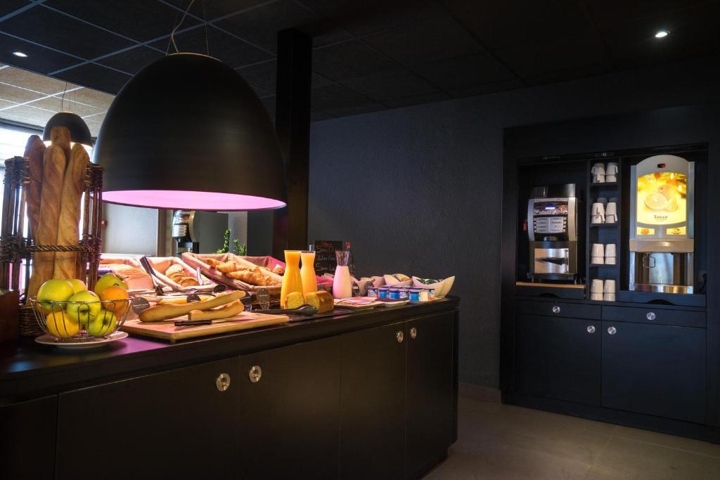 Hotel Campanile Creteil Centre France Booking Com