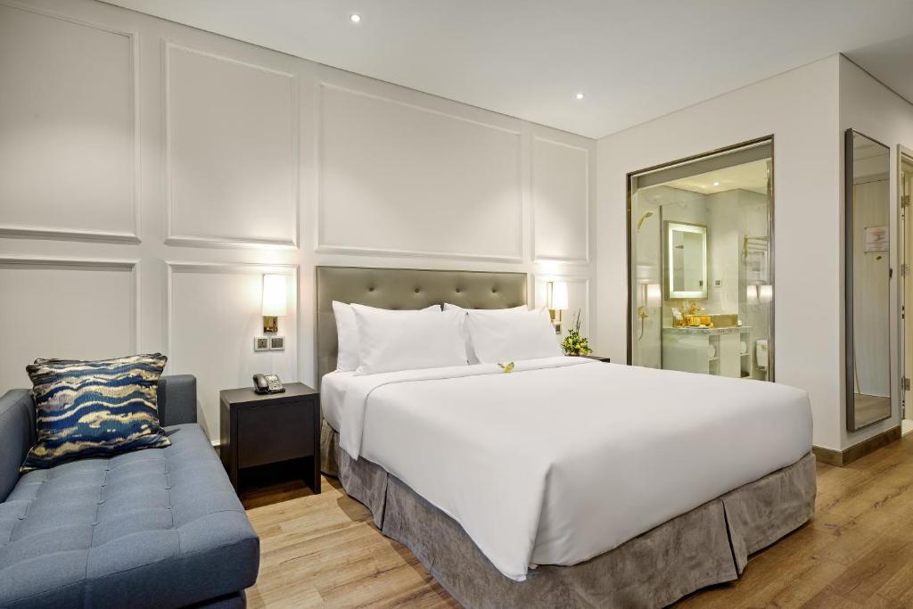 Phòng Deluxe Có Giường Cỡ King Nhìn Ra Thành Phố Có Ban Công
