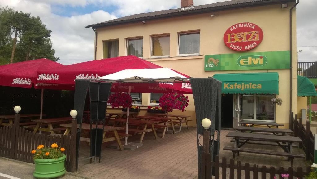 Restorāns vai citas vietas, kur ieturēt maltīti, naktsmītnē Guesthouse Bērzi