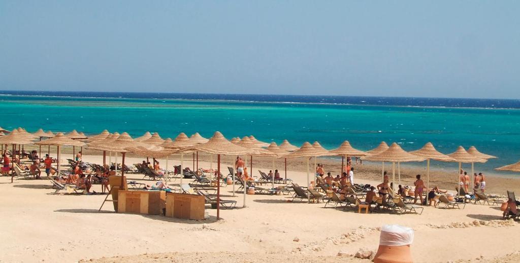 Risultati immagini per gemma beach resort
