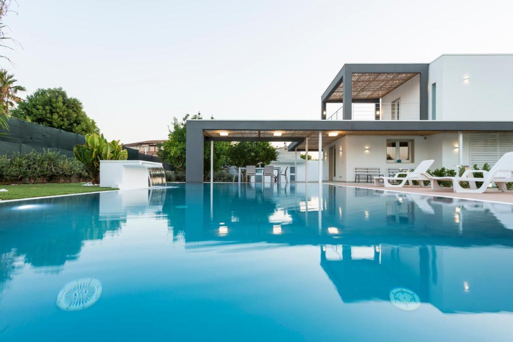The swimming pool at or near Villa Zoe