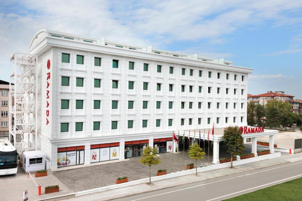 نتيجة بحث الصور عن فندق رمادا يلوا تركيا