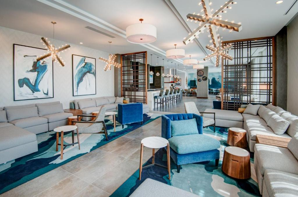The lounge or bar area at TownePlace Suites by Marriott Miami Airport
