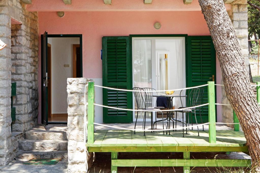 Bungalows And Apartments Angela Bol Croatia Booking