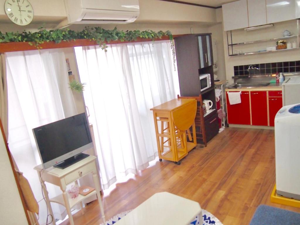 โทรทัศน์และ/หรือระบบความบันเทิงของ Hachiko House Oi