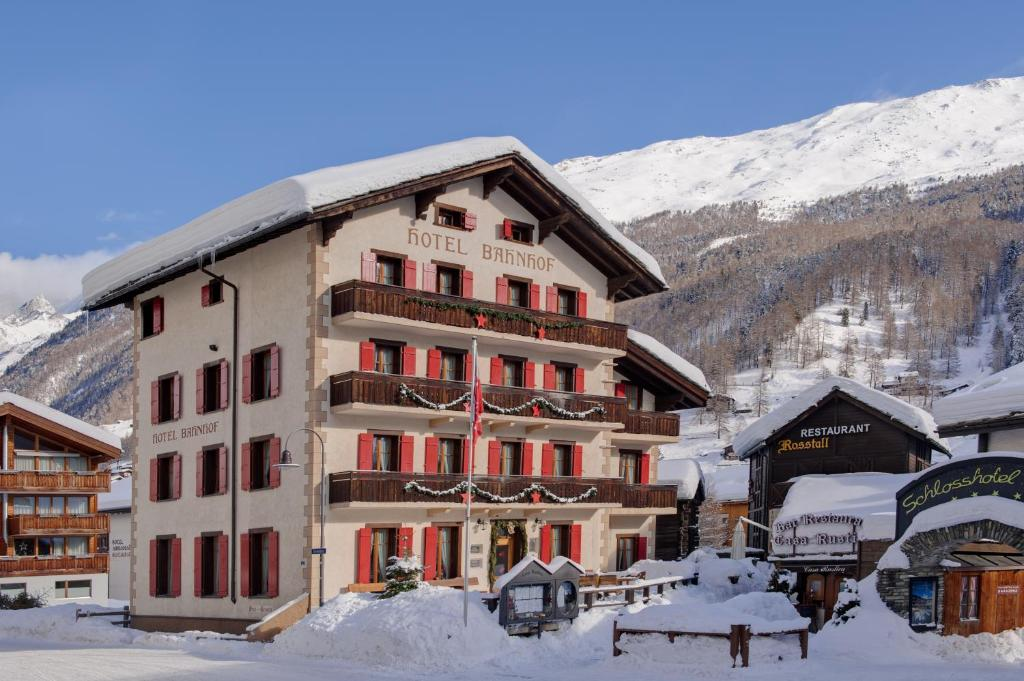 Hotel Bahnhof during the winter
