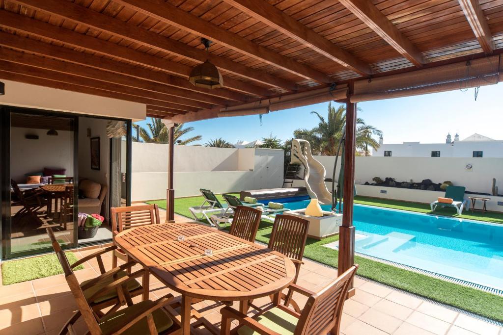 Arpaso Villa, Costa Teguise, Spain - Booking.com