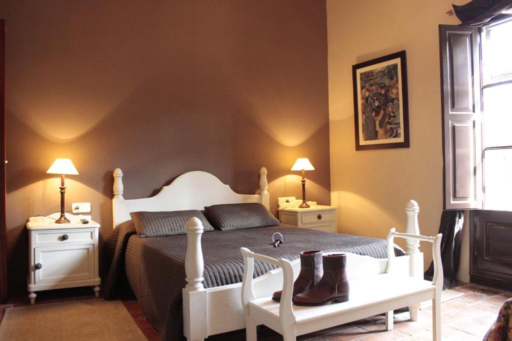 Hotel Masia Can Sala (España Montornès del Vallès) - Booking.com