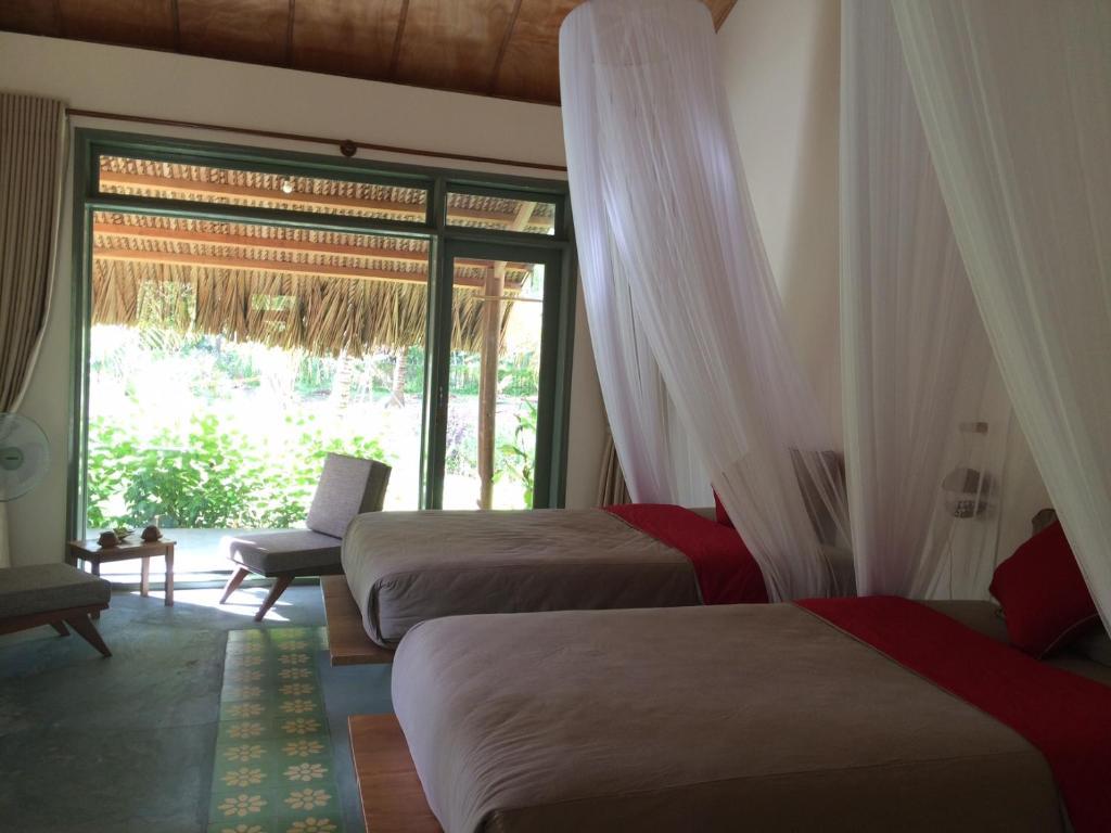 Phòng 2 Giường Đơn Nhìn ra Vườn.