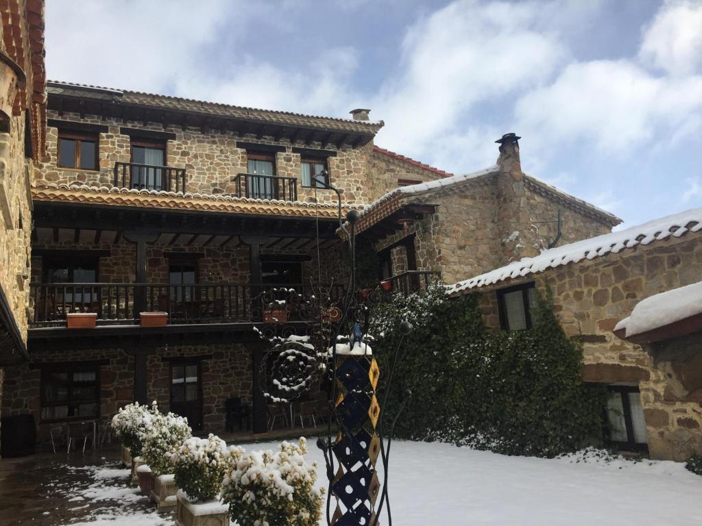Casa de campo Casona Santa Coloma (España Matute de la ...