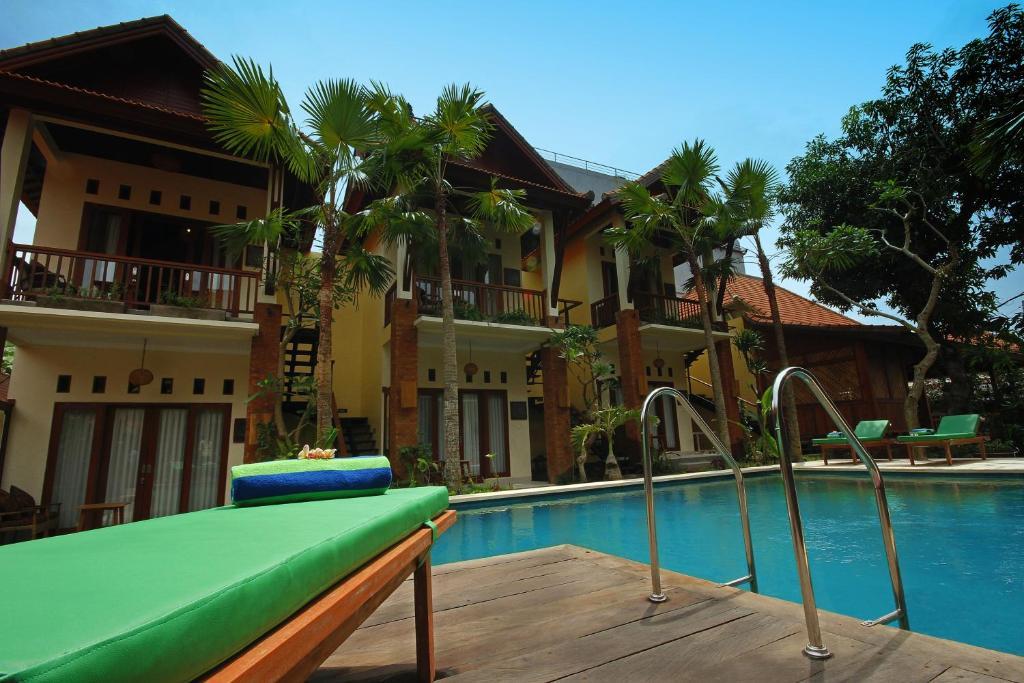 The swimming pool at or close to Mina Pelasa Hotel