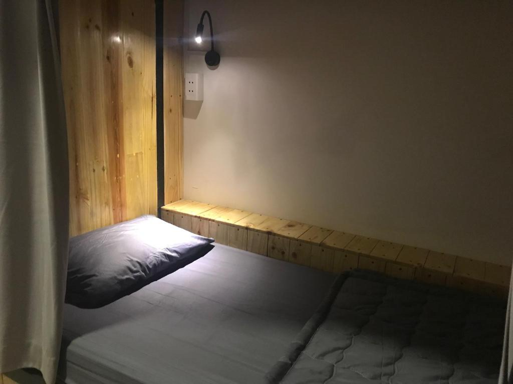 Giường trong Phòng ngủ tập thể cả Nam và Nữ 10 Người