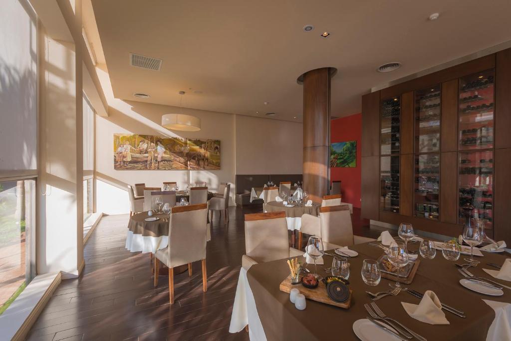 Grand Crucero Hotel