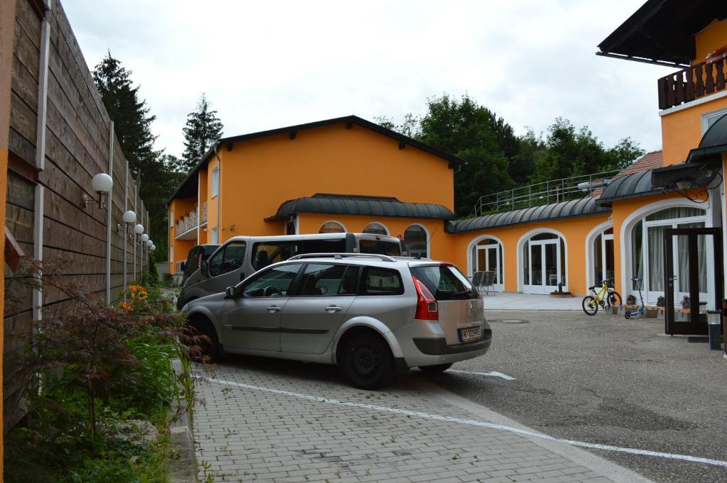 F&AC Autowsche und -reinigung, 3003 Gablitz - Herold