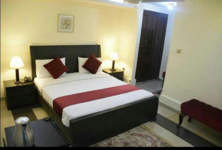 rooms for dating in islamabad
